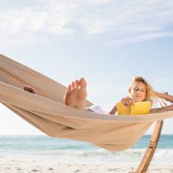 Leer en vacaciones: cómo elegir el libro perfecto