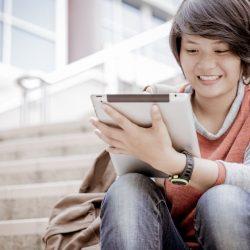 Tableta, portátil o cuaderno: ¿qué es más útil para tomar apuntes?